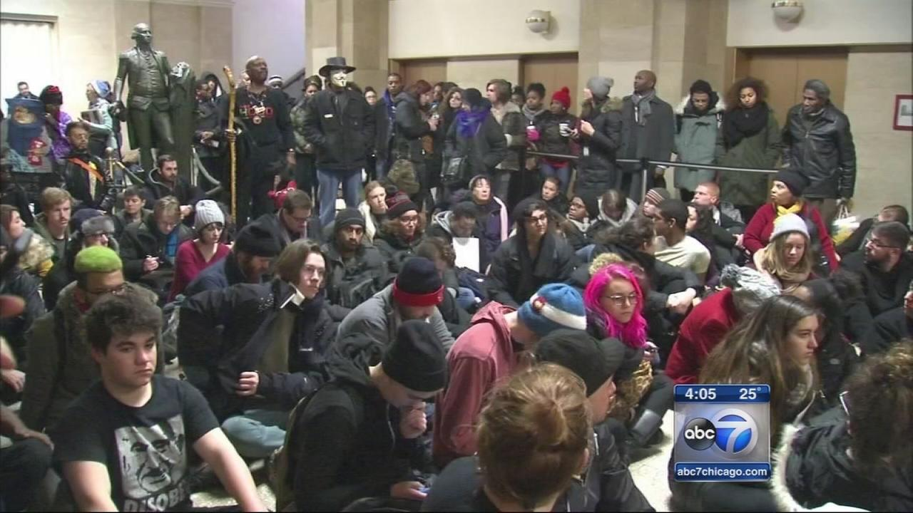 Ferguson protesters rally in Chicago Loop
