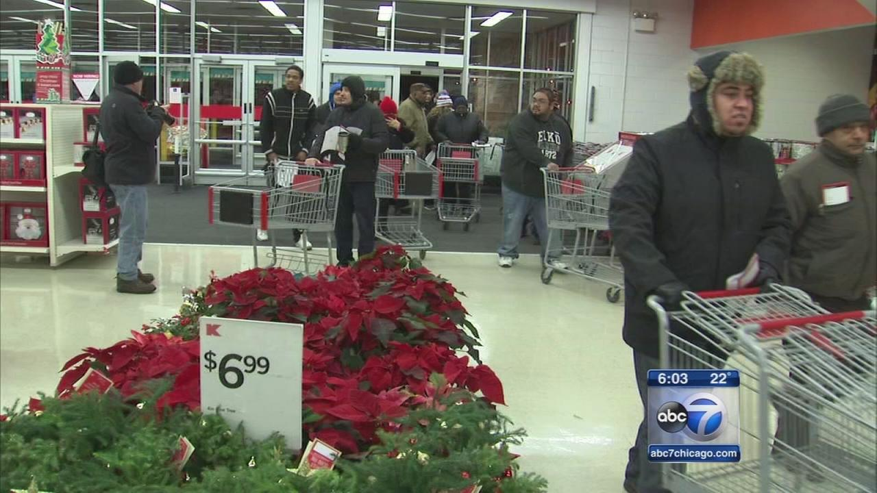 Thanksgiving Day shoppers find big bargains