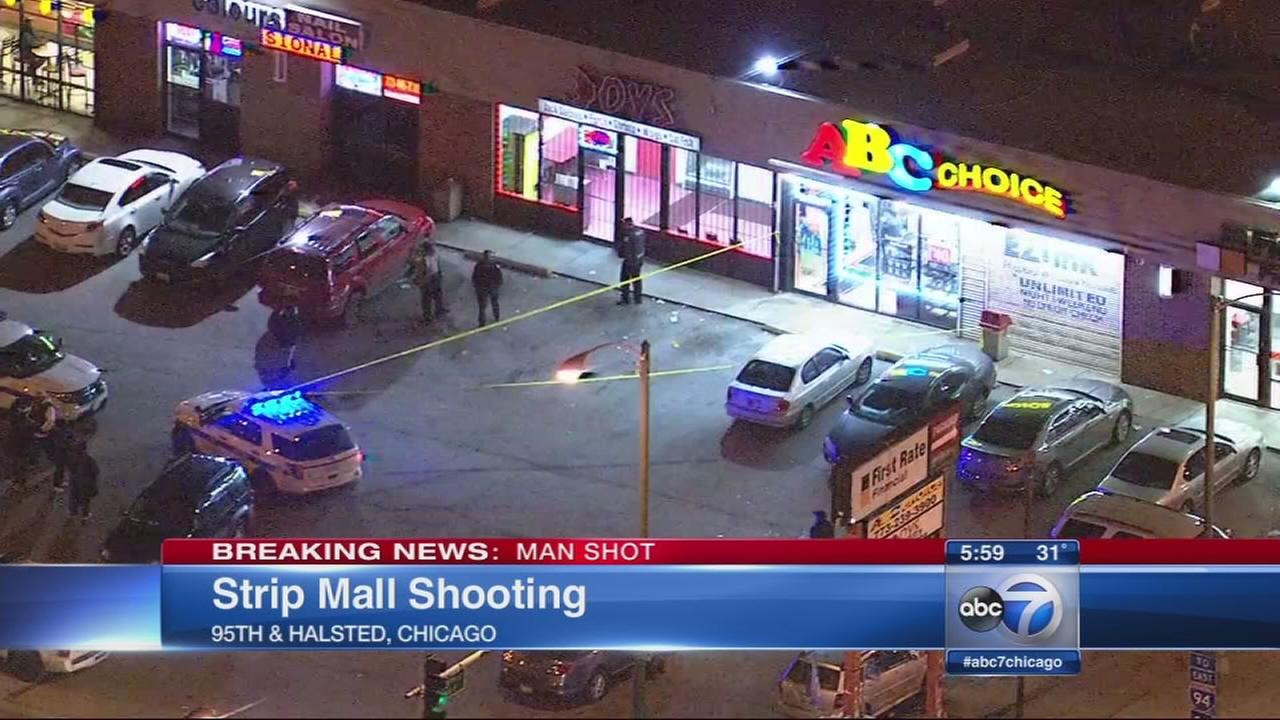 20-year-old man shot in Washington Heights cellphone store