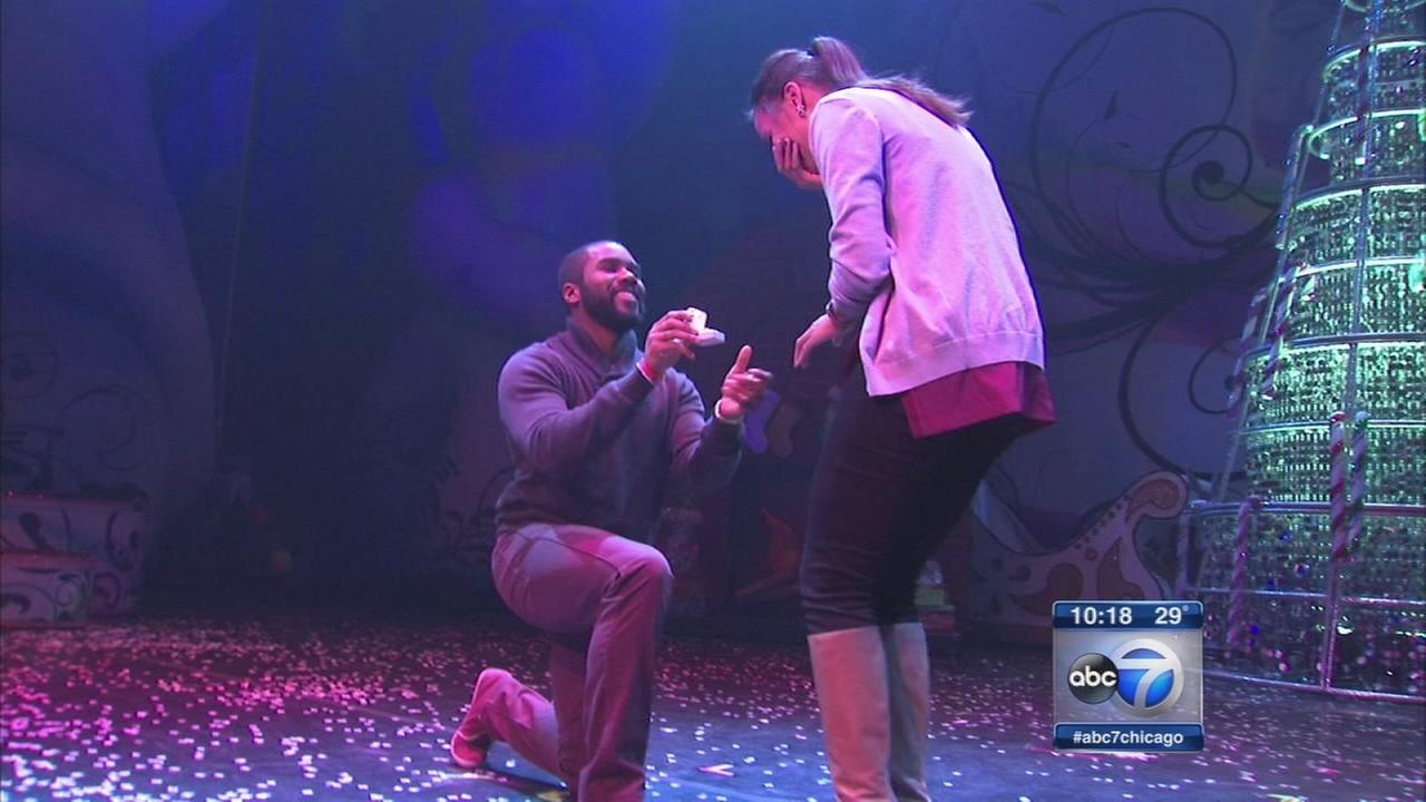Man proposes on stage at Chicago Theatre
