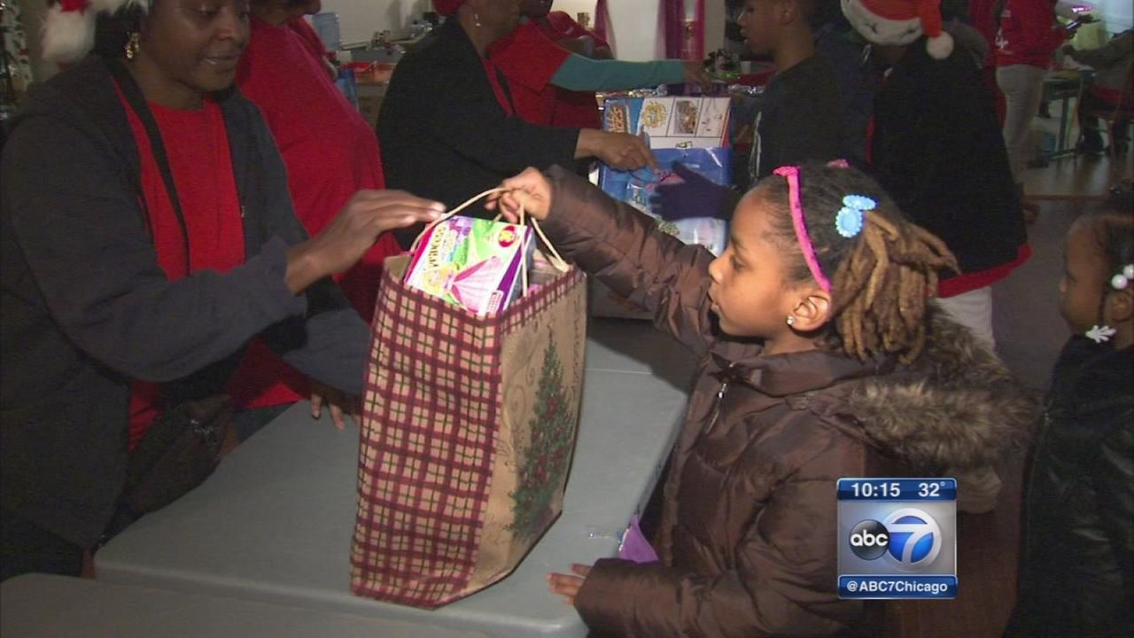 Englewood kids get early Christmas that almost didn?t happen