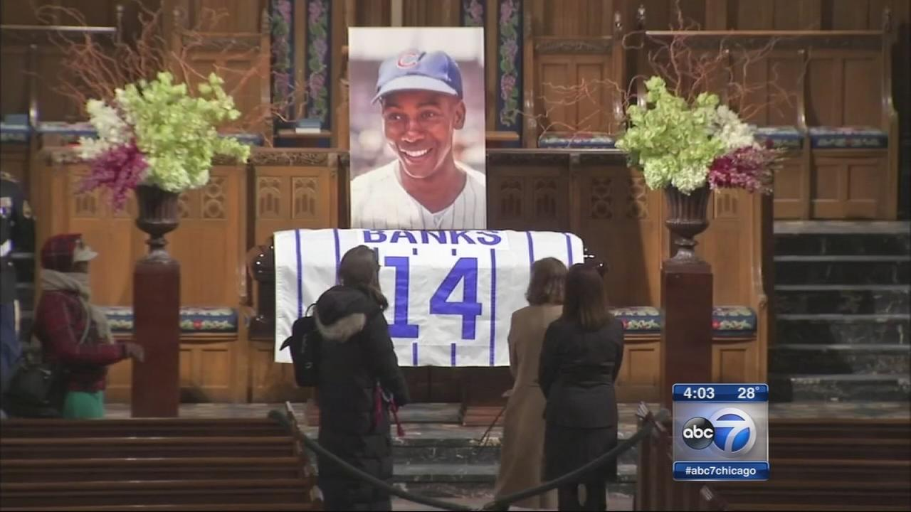 Hundreds expected at Ernie Banks visitation