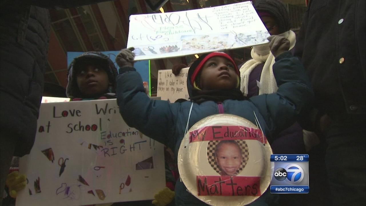 Child care rally held at Thompson Center