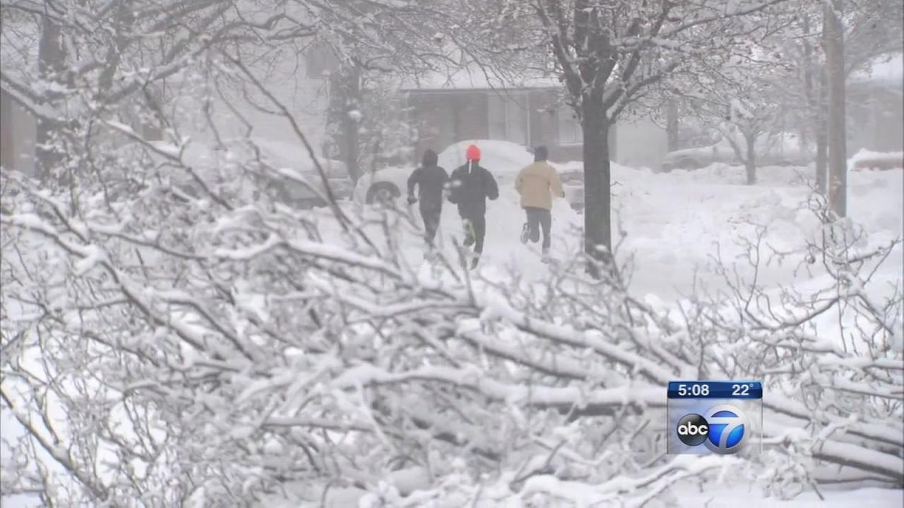 Blizzard, winter storm warnings issued for Chicago area