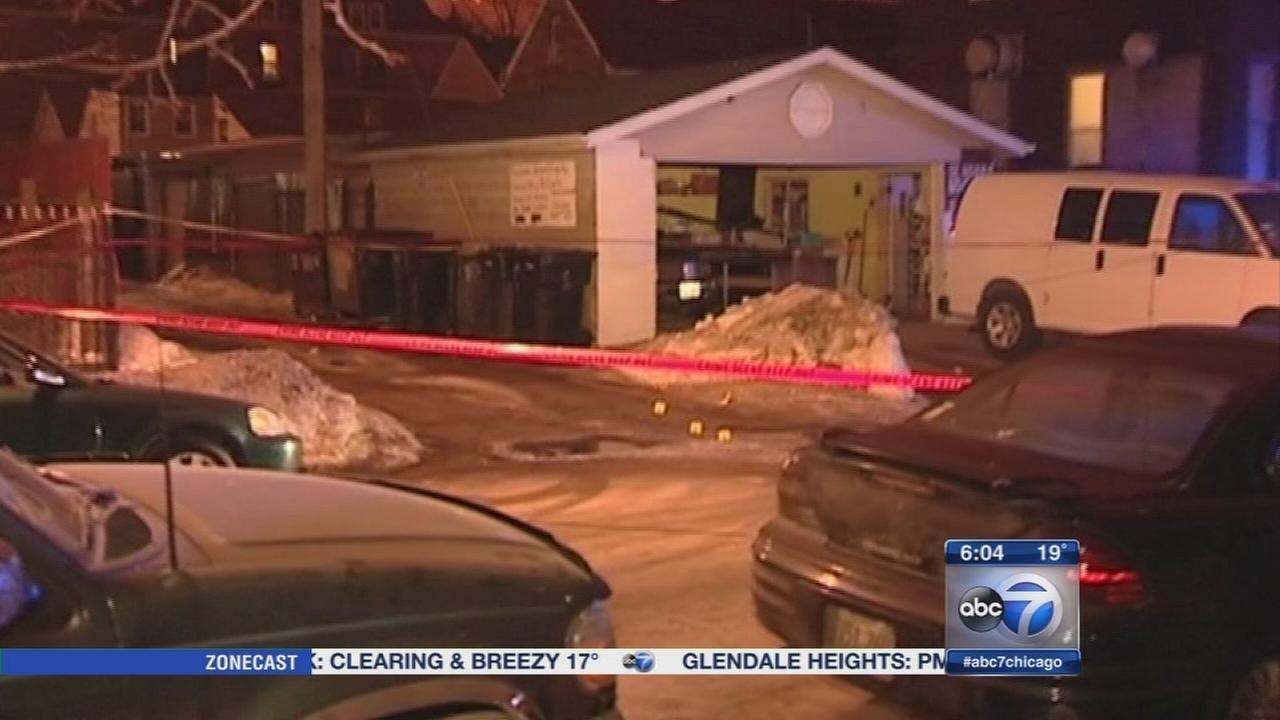 2 injured in Little Village shooting
