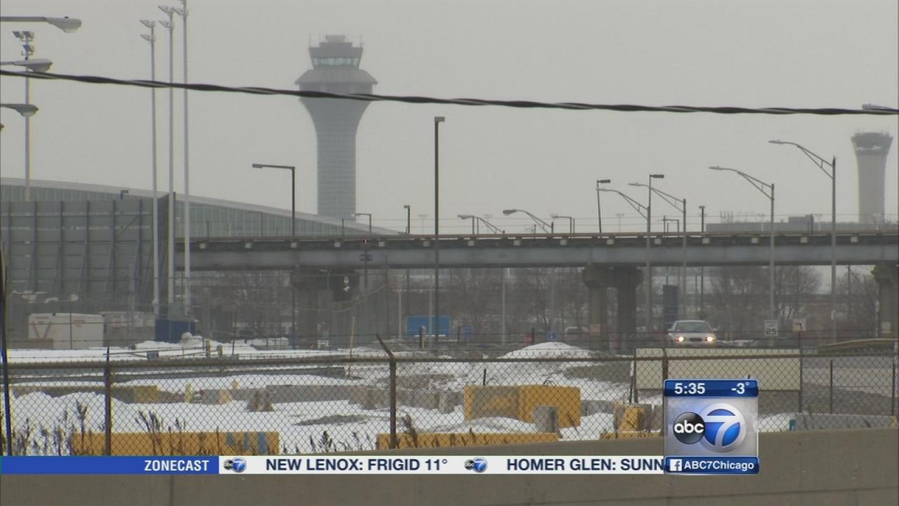 FAA investigates close call between 2 planes at OHare