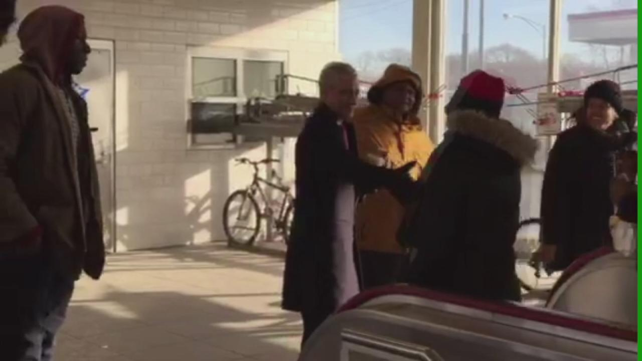Mayor Emanuel thanks voters at 95th Street