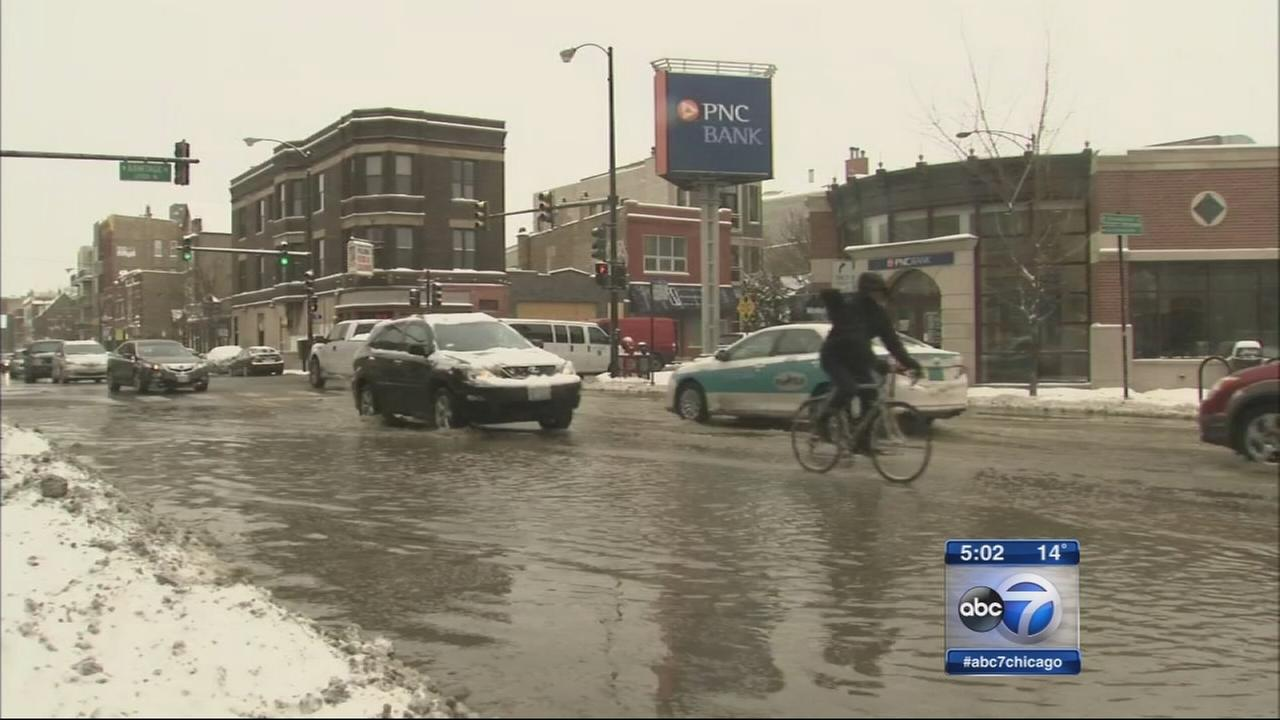 Crews work to fix Bucktown water main break