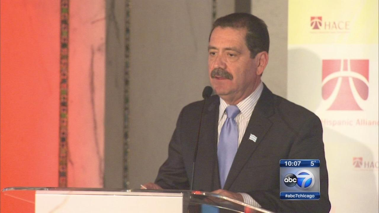 Dueling endorsements in Chicago mayoral race
