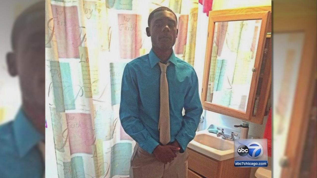 Urban Prep students mourn Deonte Hoard, 17
