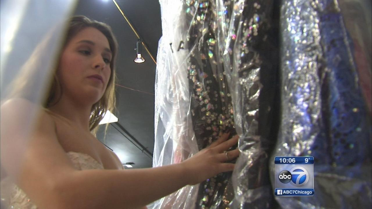 Prom dress websites target teens with fake designer gowns