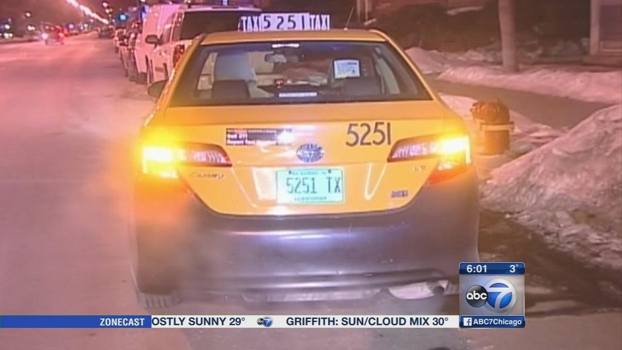 Cab driver stabbed in West Rogers Park attempted robbery