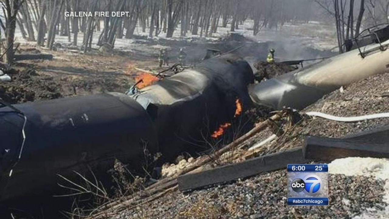 Oil tanker that derailed near Galena was headed for Chicago
