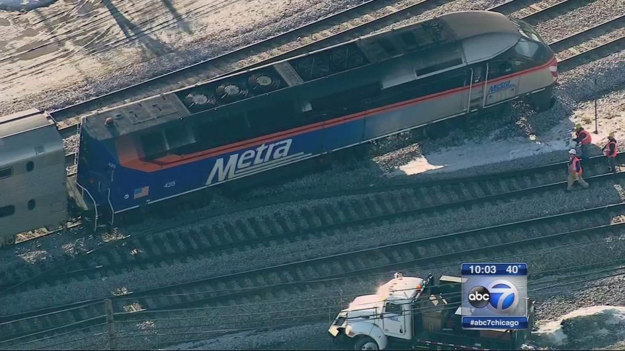 Metra derailment leads to major delays