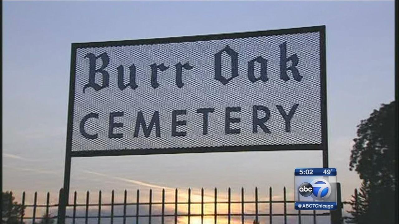 burr oak cemetery essay Burr oak cemetery is a 150-acre (061 km ) cemetery located in alsip, illinois , a suburb southwest of chicago as one of the few early chicago cemeteries focused on.