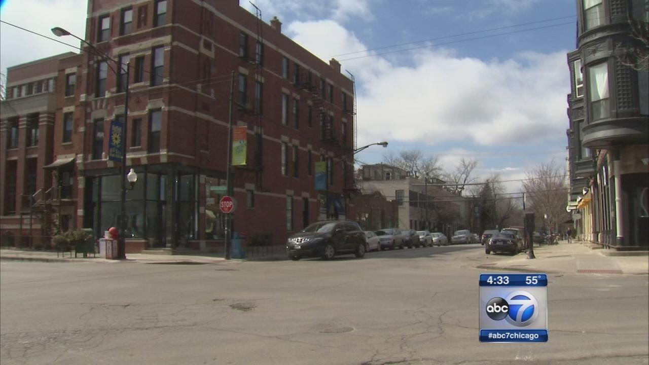 DePaul student robbed by 3 masked men near campus
