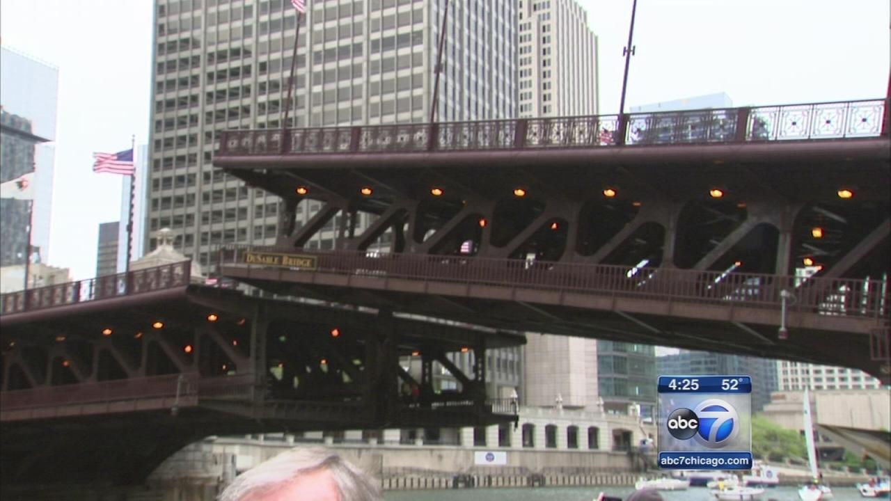 Crowds celebrate Michigan Avenue bridge anniversary