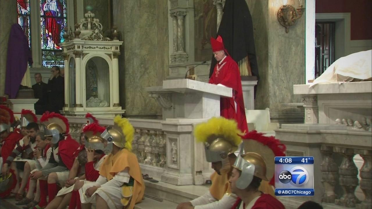 Chicago-area Christians gather for Good Friday traditions