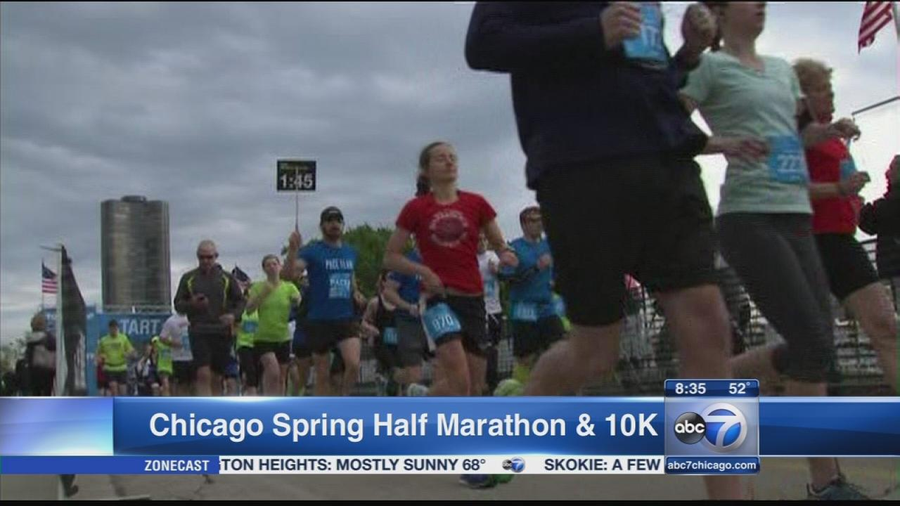 Crowds gather for Chicago spring half marathon