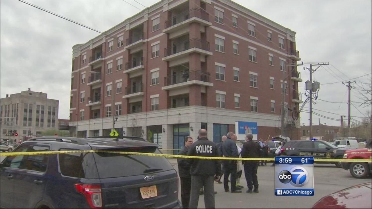 Man found dead in Berwyn apartment