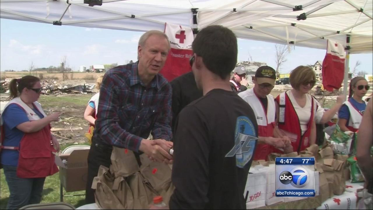Gov. Rauner tours tornado-ravaged towns
