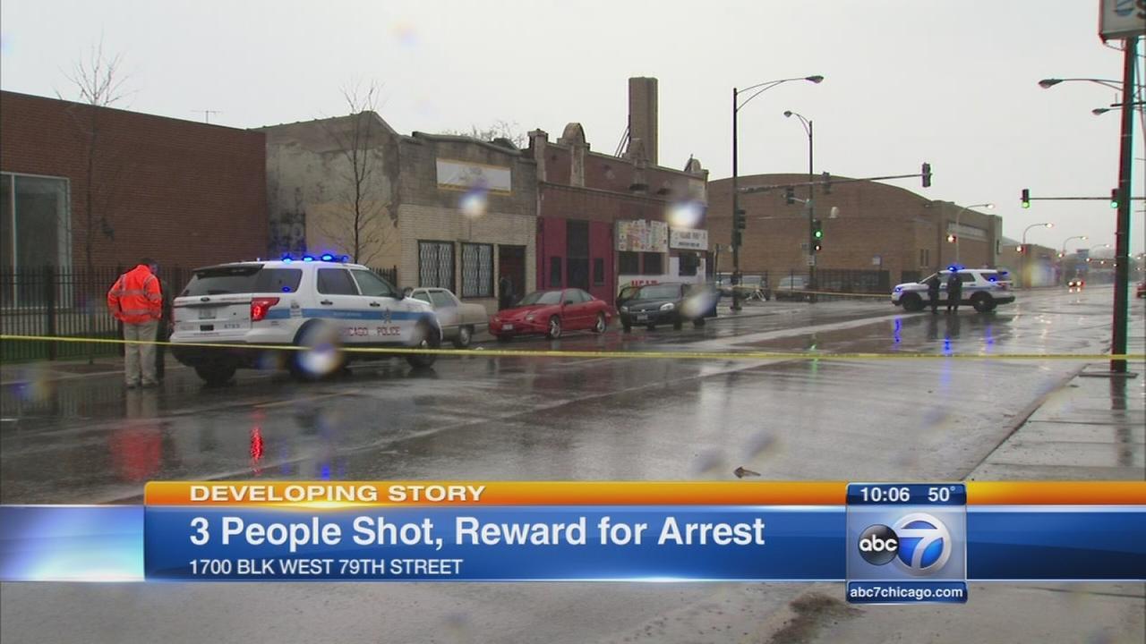 3 injured in S. Side shooting, Fr. Pfleger offers reward for informationNew Keyword