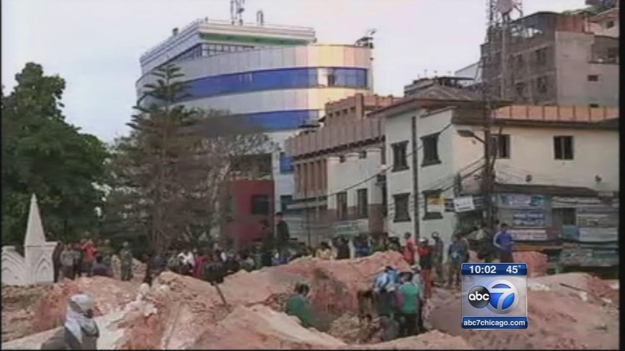 Vacationers escape quake damage, Medic killed in Everest avalanche