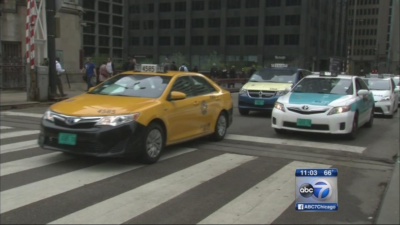 City to launch universal taxi app in Chicago