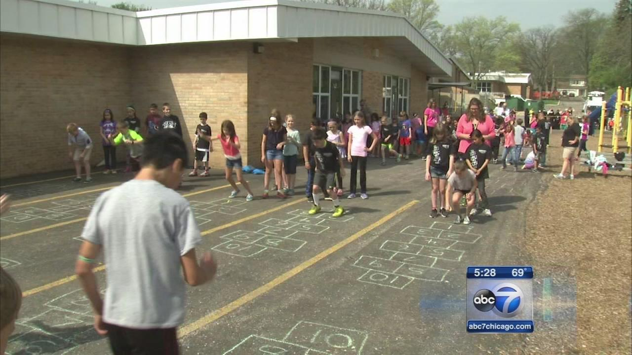 Glen Ellyn students hop, skip, jump towards world record