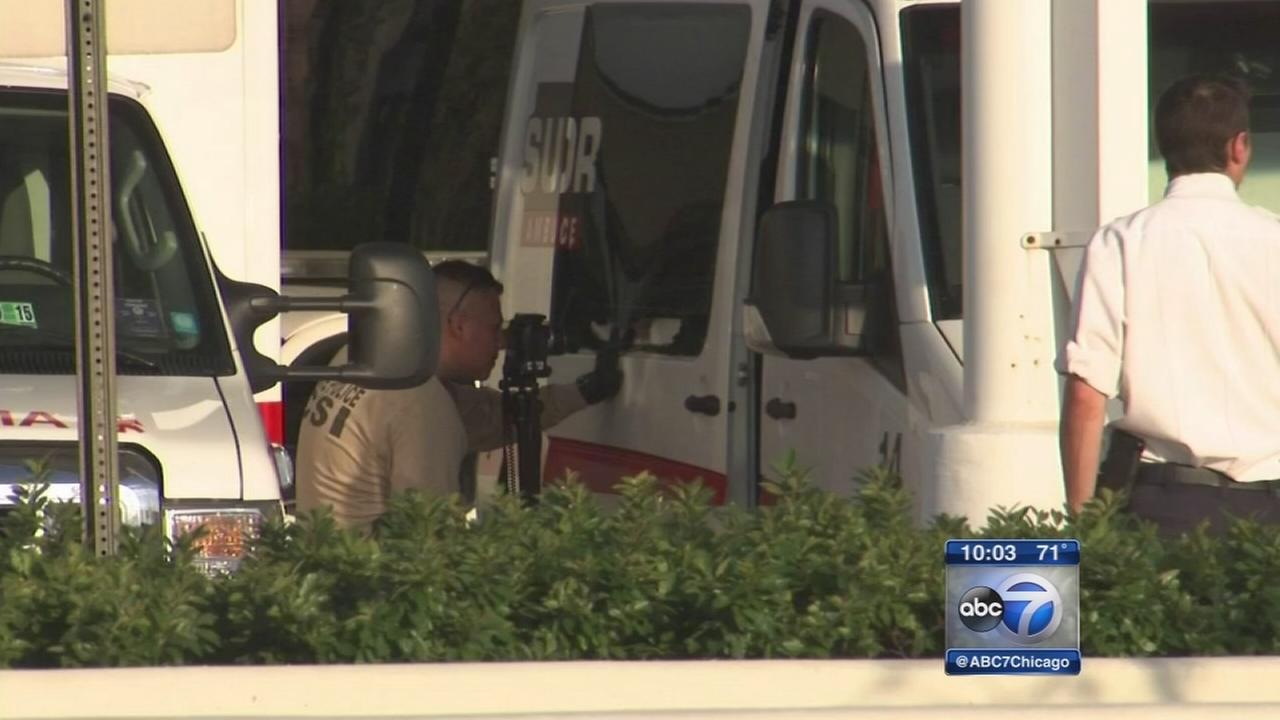 Ambulance, car hit by gunfire on Dan Ryan