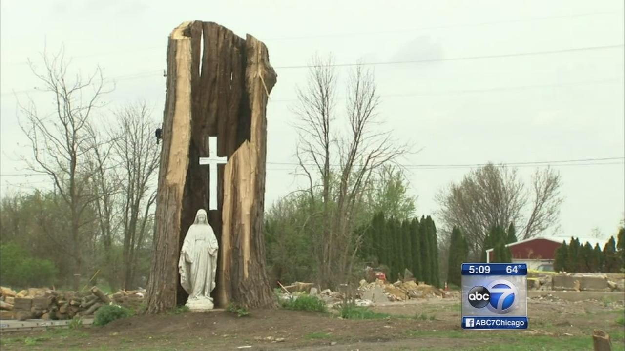 Fairdale, Illinois nearly deserted 1 month after tornado