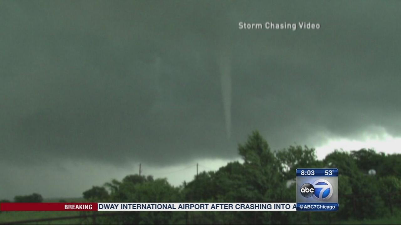 Damaging storms, tornadoes hit Central Plains