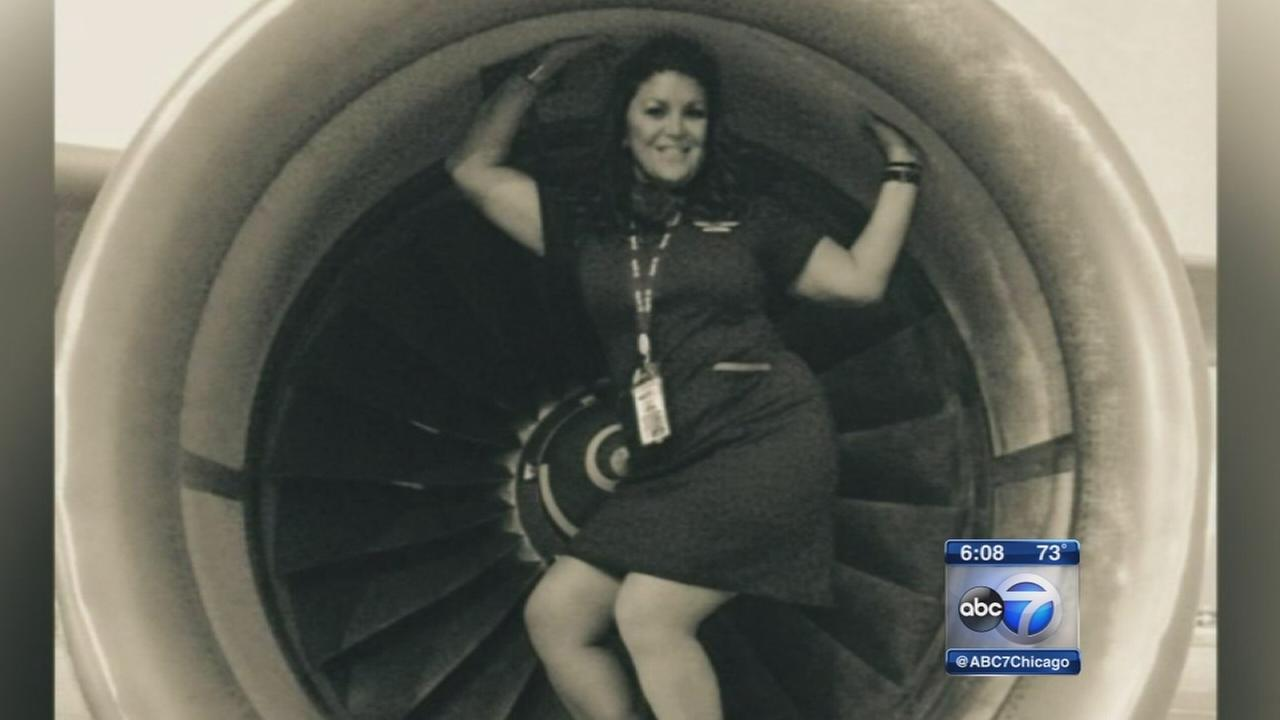 O?Hare tarmac photos land flight attendant in stew