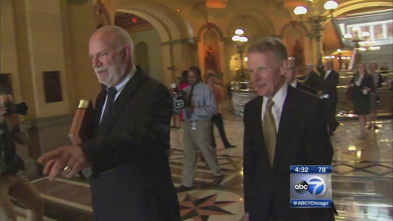 Rauner meets with leaders about budget stalemate
