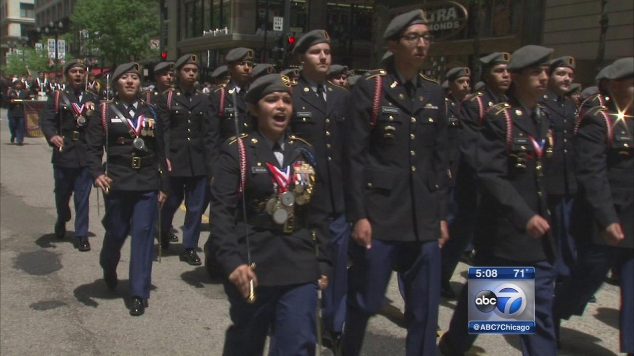 Chicago hosts annual Memorial Day Parade