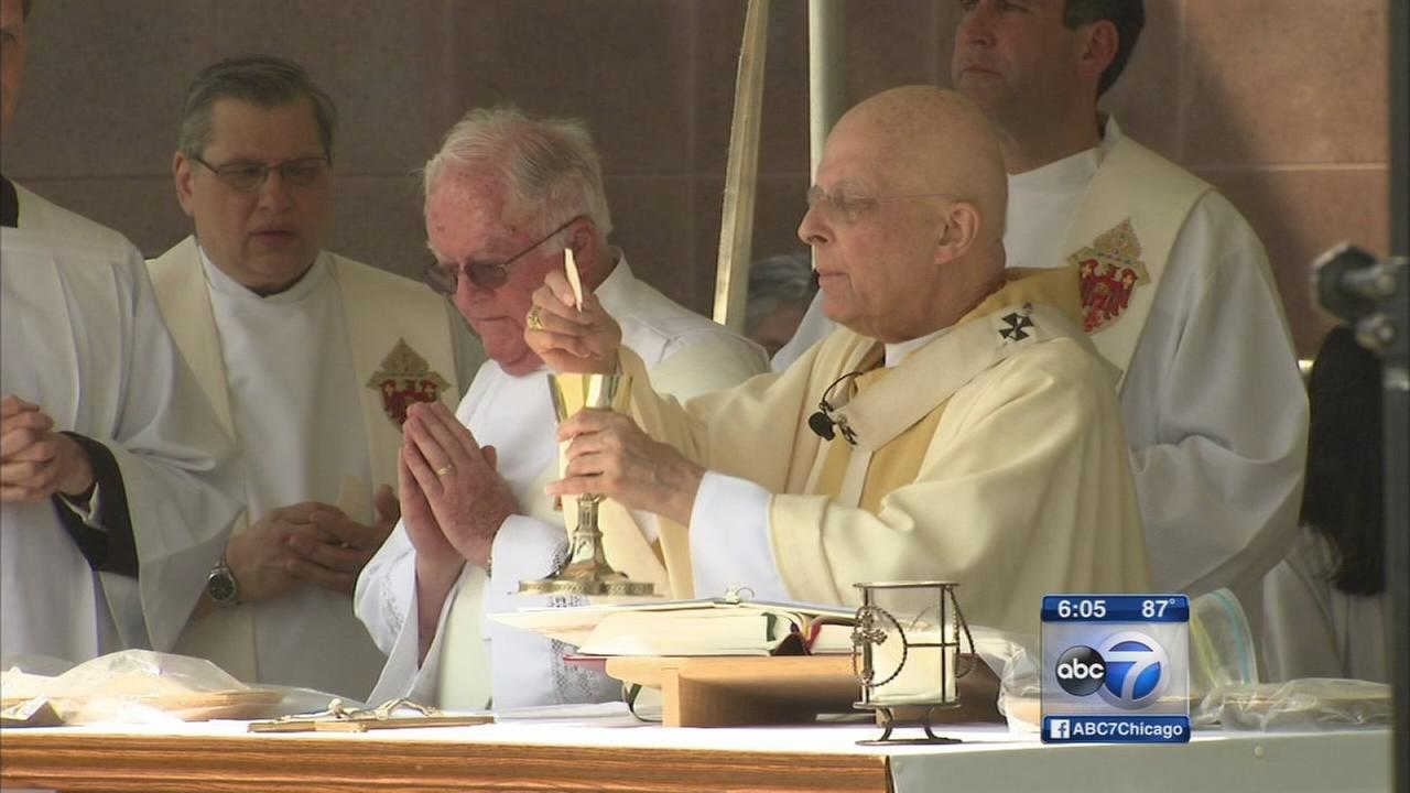 Cardinal George presides over Memorial Day mass