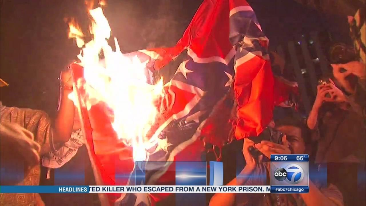 Confederate flags burned in Chicago