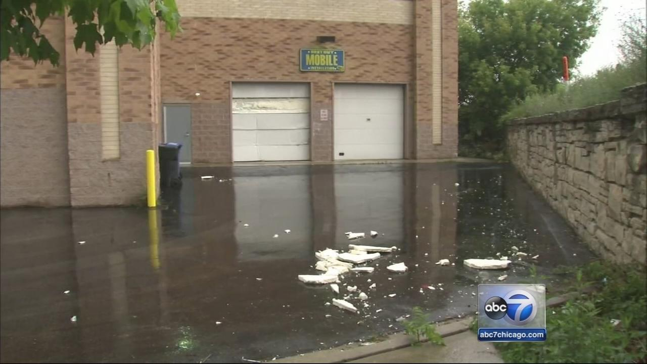 Burglars crash van into Bucktown Best Buy, police say