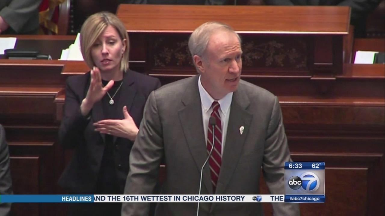 Rauner, IL lawmakers must pass state budget by midnight
