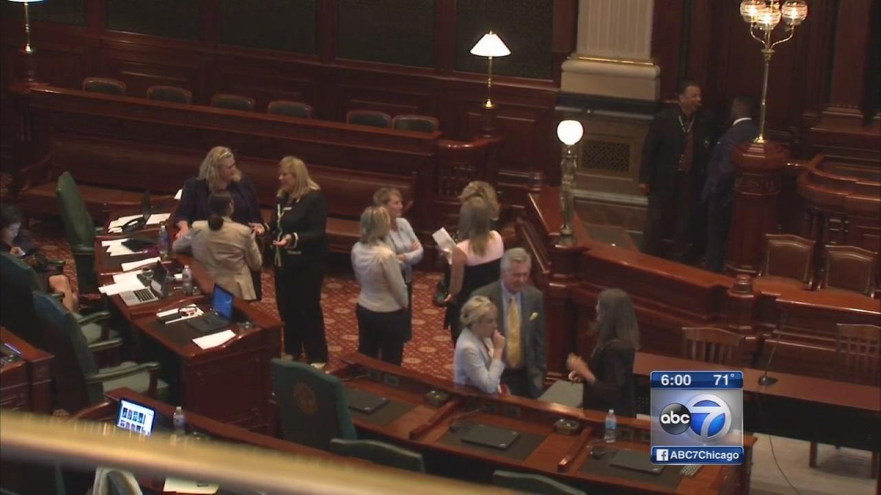 Illinois House adjourns without new state budget deal
