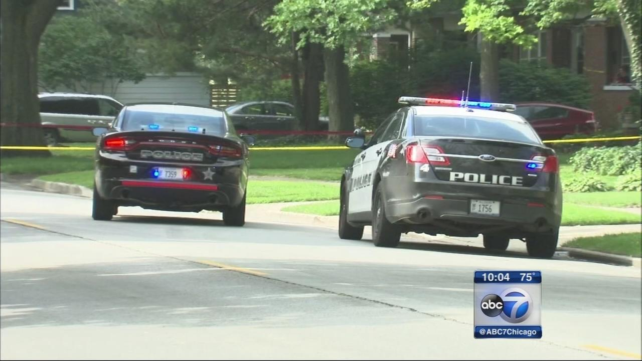 2 dead, 3 injured after police shooting at River Forest home