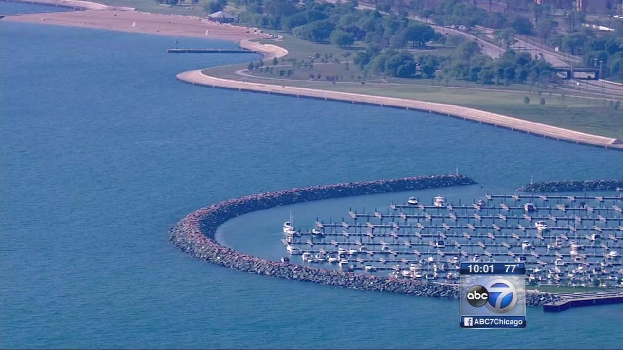 1 dead, 1 critical, 2 missing in Lake Michigan boat accident