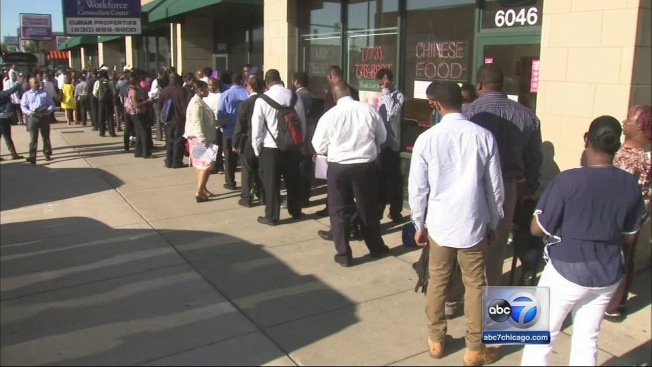 Hundreds line up for West Englewood job fair