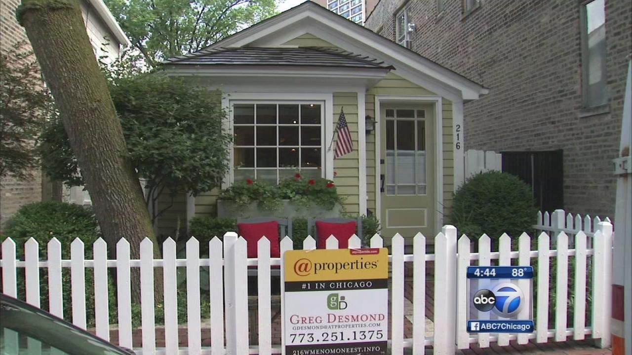 Original Chicago tiny house for sale in Old Town abc7chicagocom