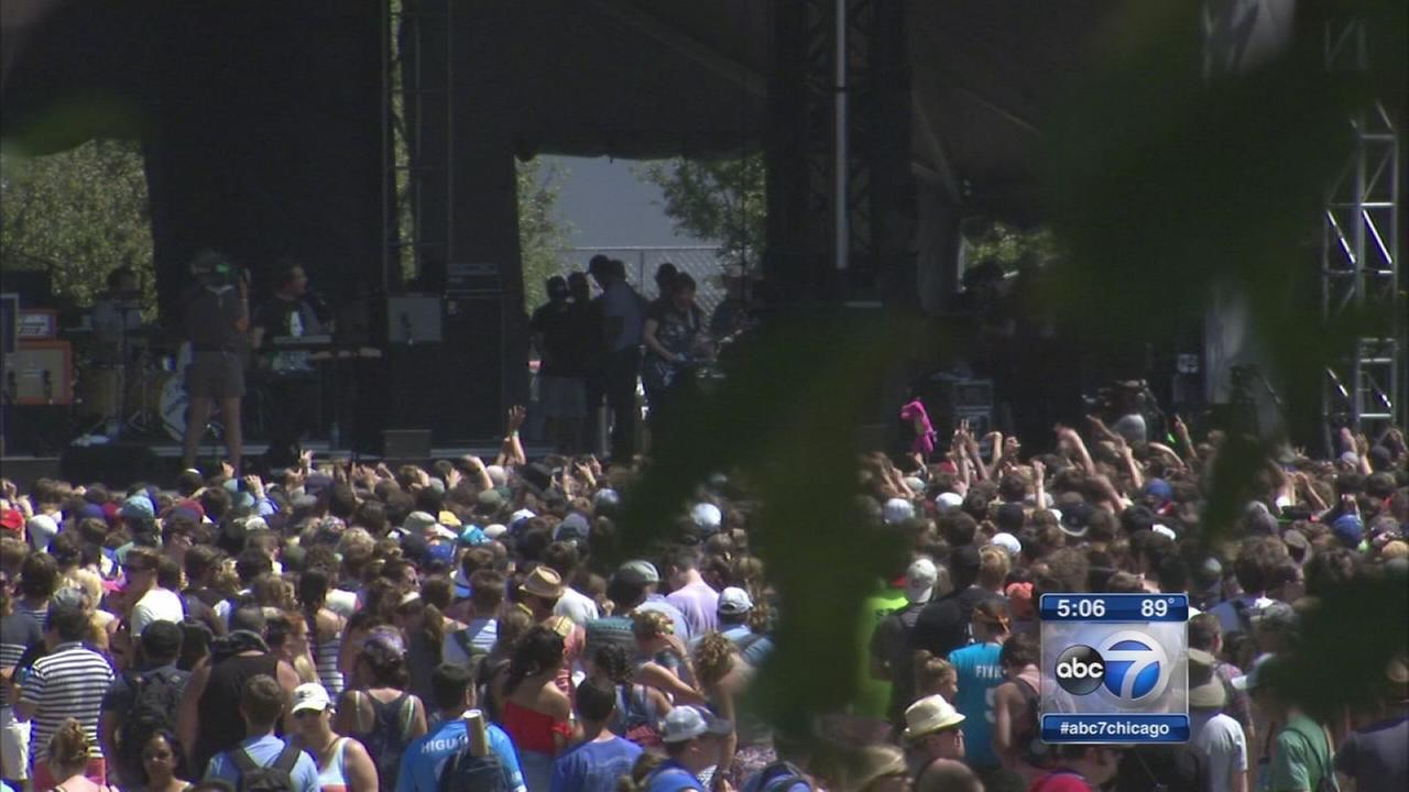 Lollapalooza continues final day after brief rain delay