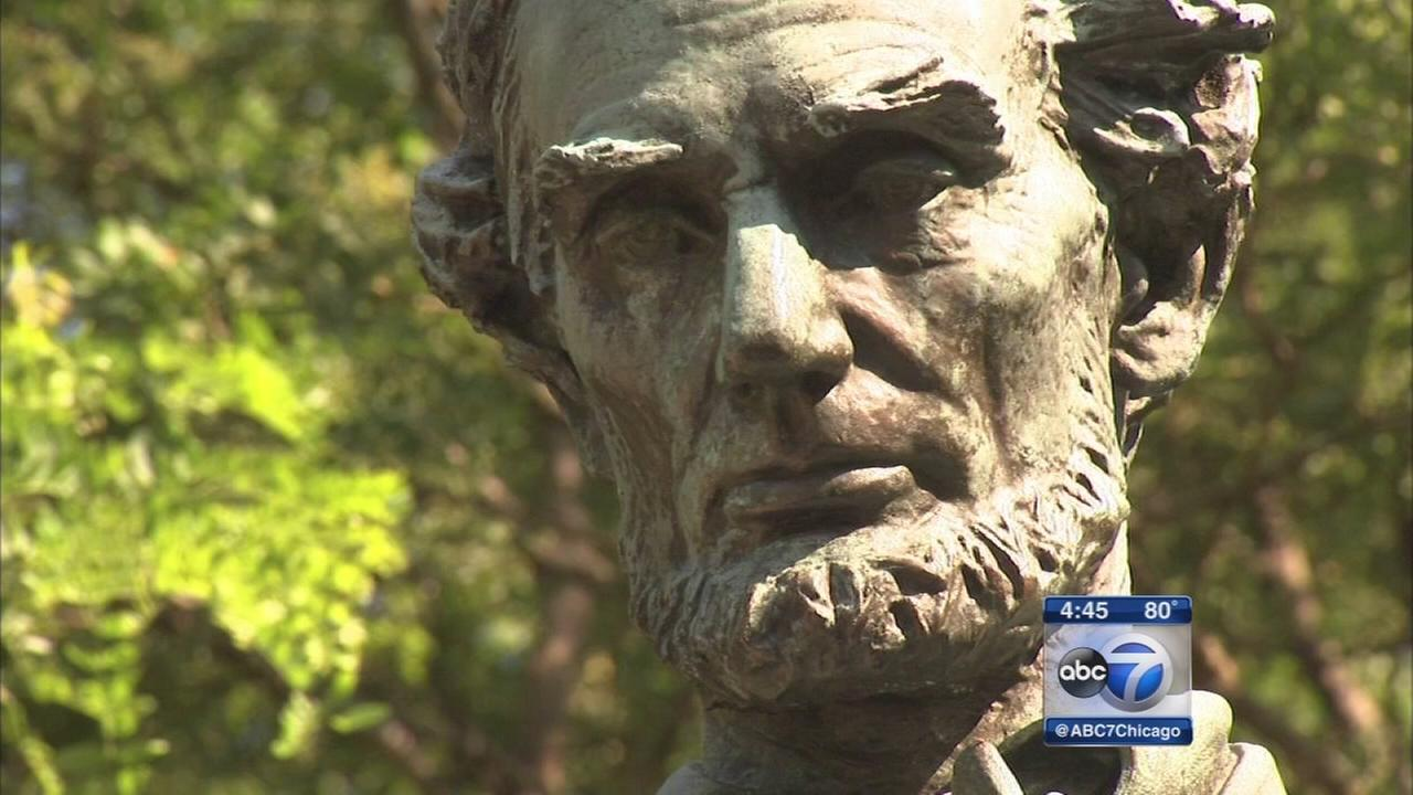 Chicago statues can now tell their own stories