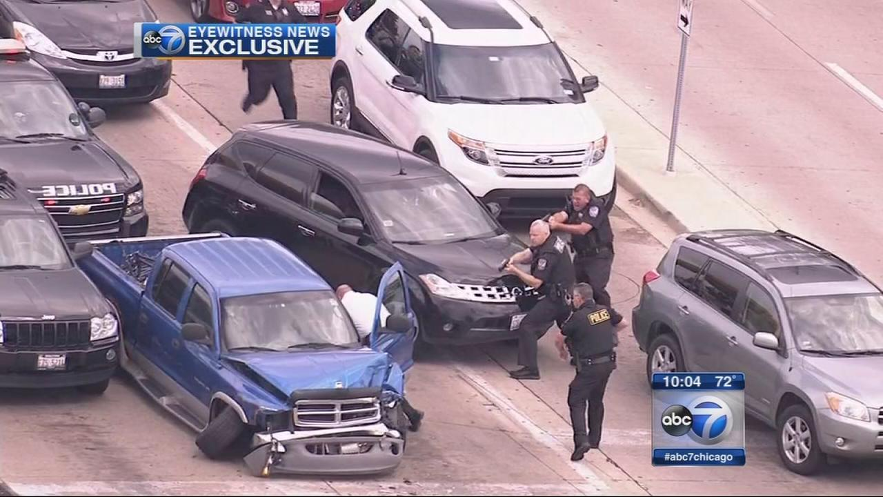 Police chase ends with crash in Oakbrook Terrace