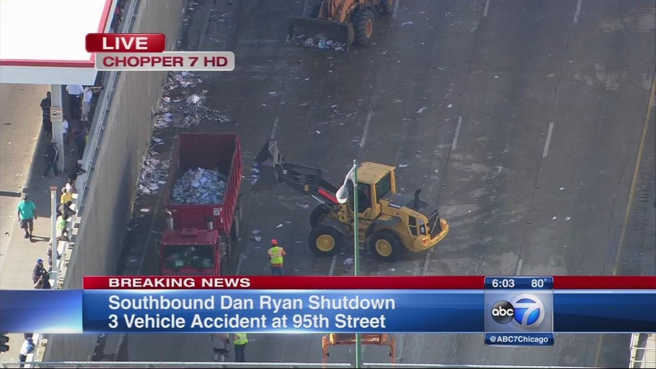 Crews clean up trash spill that led to Dan Ryan shutdown