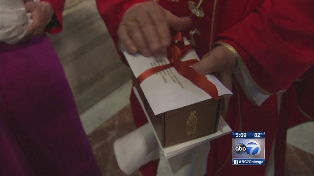 Pallium presented to Cupich at Holy Name