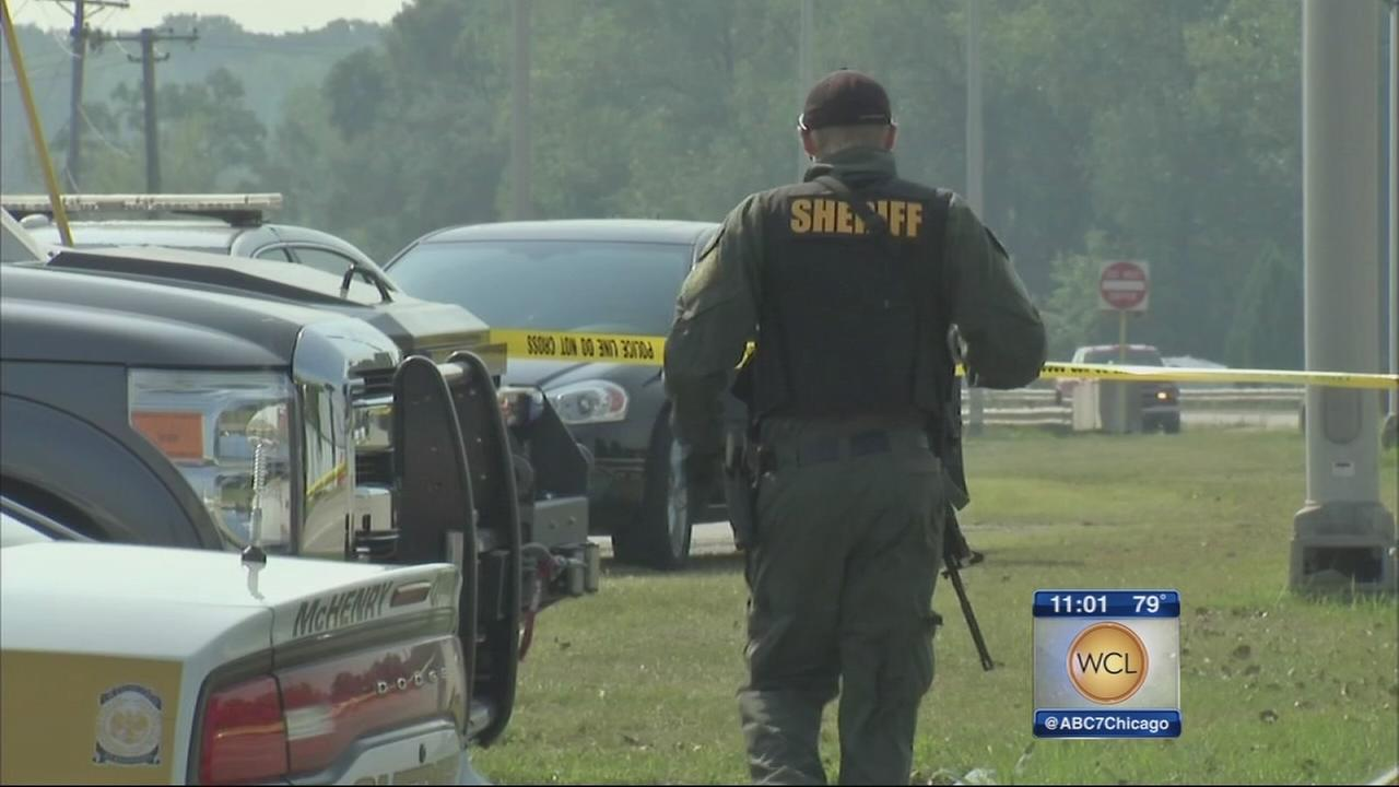Manhunt underway in Fox Lake